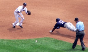 Mike Cameron steals 2nd base ahead of the throw to Adam Everett