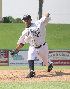 Mauricio Robles pitches for the Lakeland Flying Tigers cr- Roger DeWitt